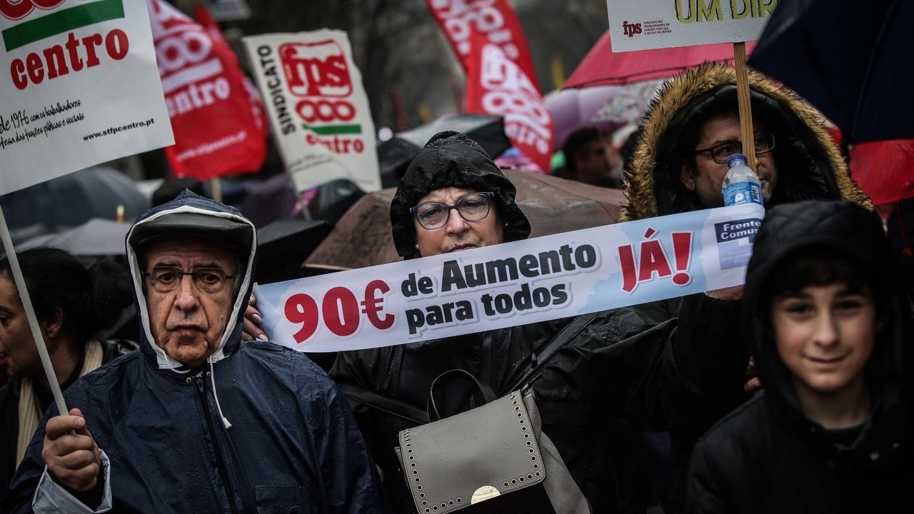 Manifestación estudiantil en Oviedo por el 8M