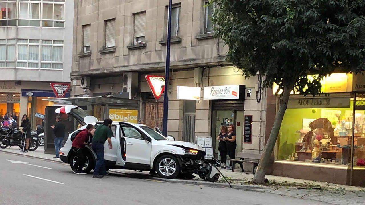 El conductor del coche del accidente de Vigo habría sufrido un desvanecimiento.Los médicos se concentran cada jueves delante de sus centros de salud (en la imagen, Casco Vello).