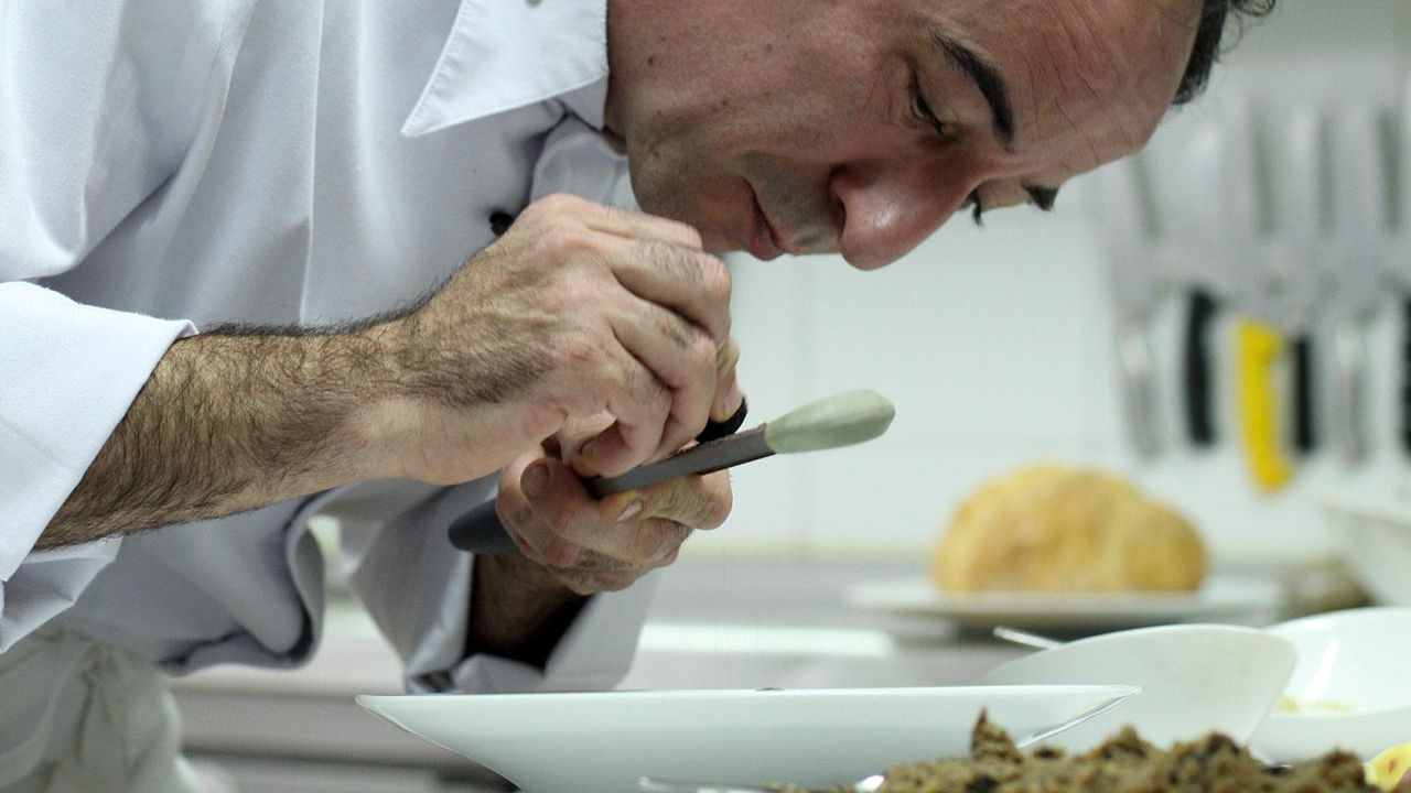 fin.Jose Antonio Campoviejo, dueño y cocinero del restaurante El Corral del Indianu
