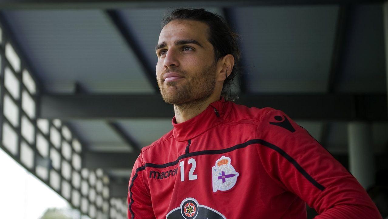 Todos los futbolistas con contrato con el Deportivo.Los jugadores del Dépor festejan el gol de Peru al Tenerife