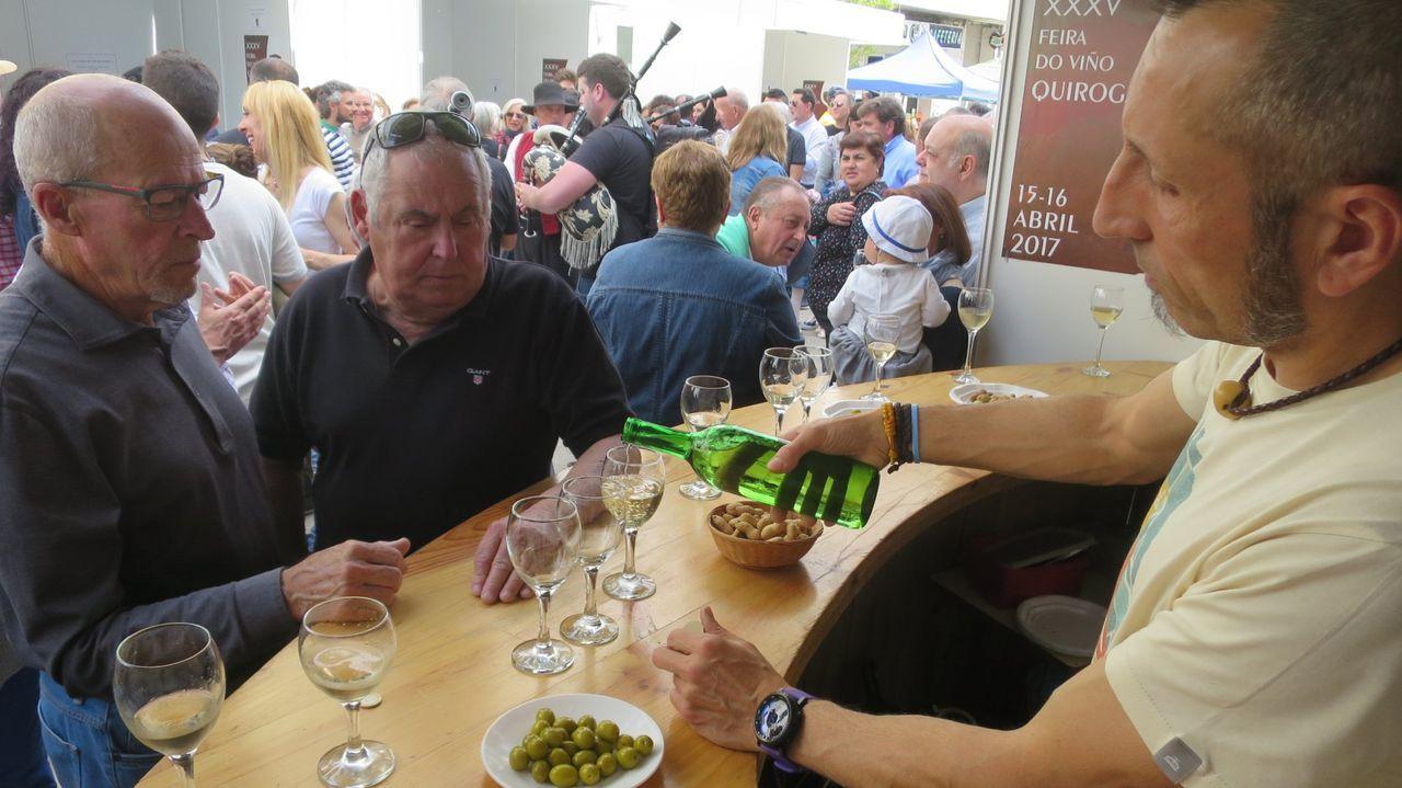 Un puesto de venta de vino en una edición anterior de la feria quiroguesa