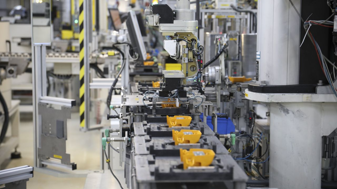Así son las instalaciones de Televés, la única empresa gallega totalmente robotizada.La reina Letizia en la inauguración del curso escolar en un centro de FP de Santiago