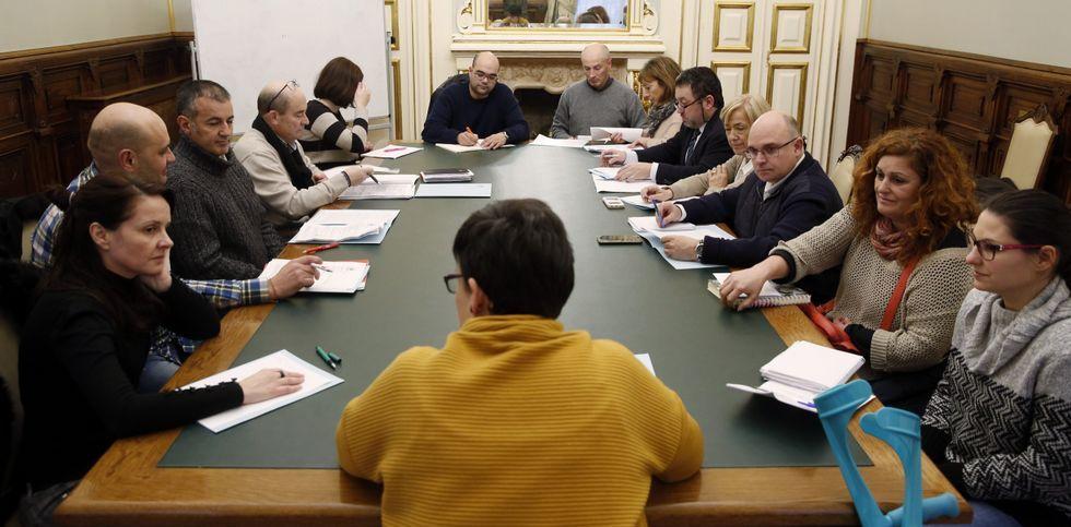 El nuevo Consello se constituyó ayer, tras casi diez años desde su sesión anterior.