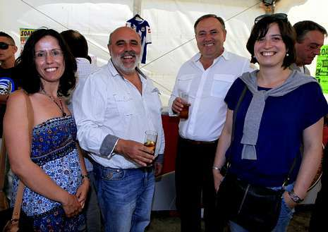 El alcalde y tres ediles de A Laracha, en la fiesta de Soandres.
