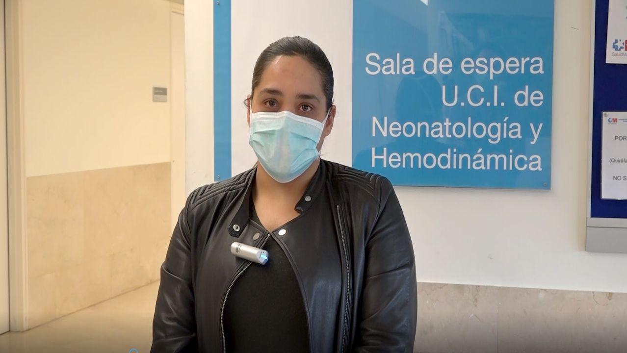 Chloe, un milagro en la zona cero del coronavirus.Sara Barón, a la izquierda de la imagen, junto a una de sus compañeras