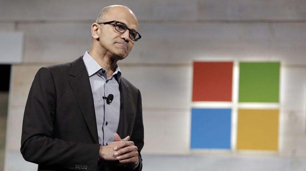 Así es el portátil que competirá con el Macbook de Apple.El director ejecutivo de Microsoft, Satya Nadella.