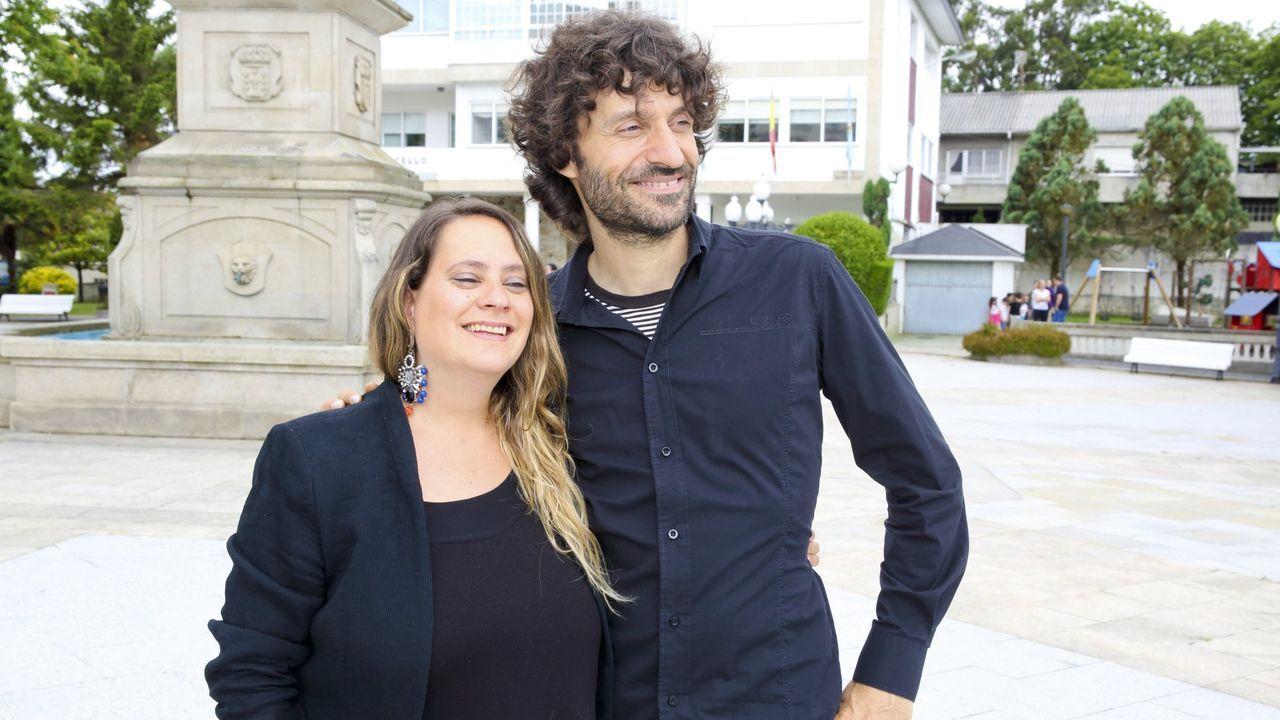 Así se celebró el Día del Pilar en Carballo, Malpica y Corcubión: ¡Las imágenes!.Xoán Curiel, a la derecha