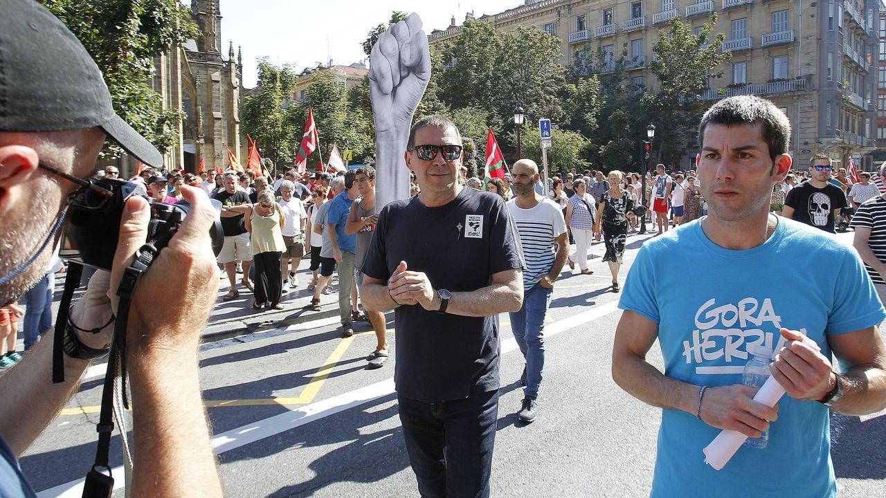 El portavoz de Sortu, Arkaitz Rodríguez (derecha), junto a Arnaldo Otegi, en una imagen de archivo