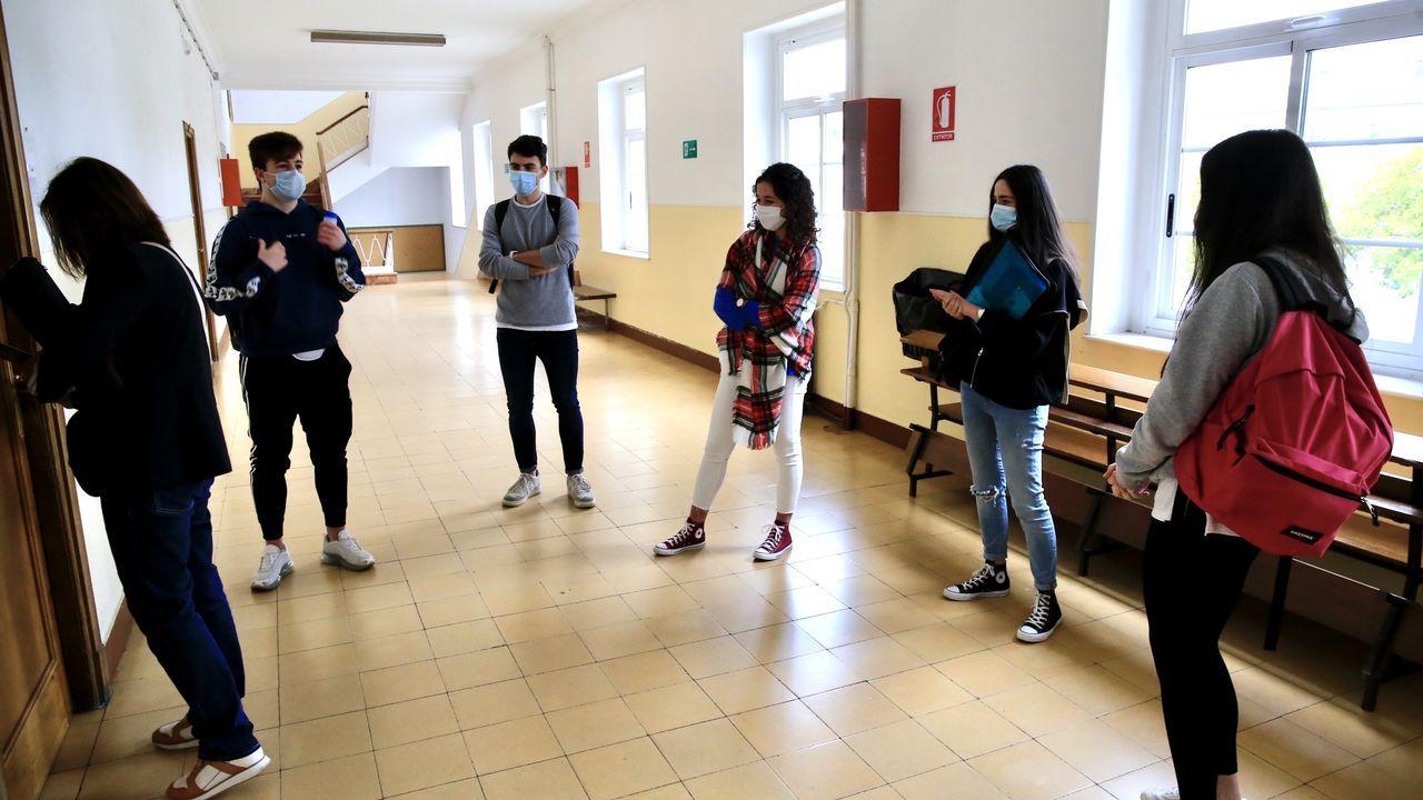 Regreso a las aulas en Ribeira.Vuelta a clase de los alumnos del CIFP As Mercedes, en Lugo