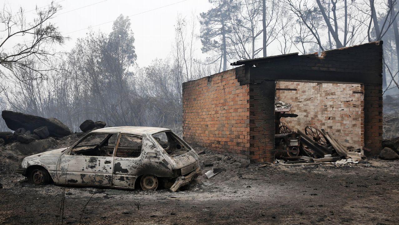 Casas quemadas en la parroquia de Moces, en Melón