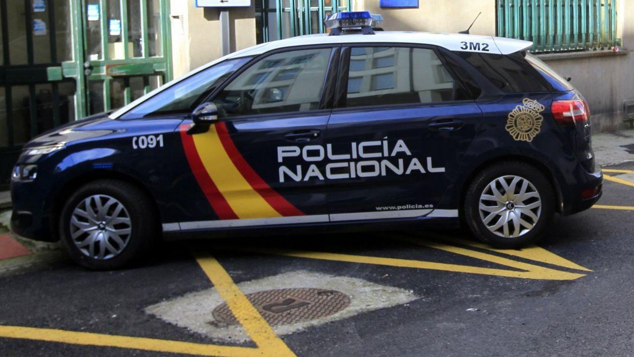 Mossa Pombo Zaragoza Real Oviedo La Romareda.Mossa lucha por un esférico con Pombo