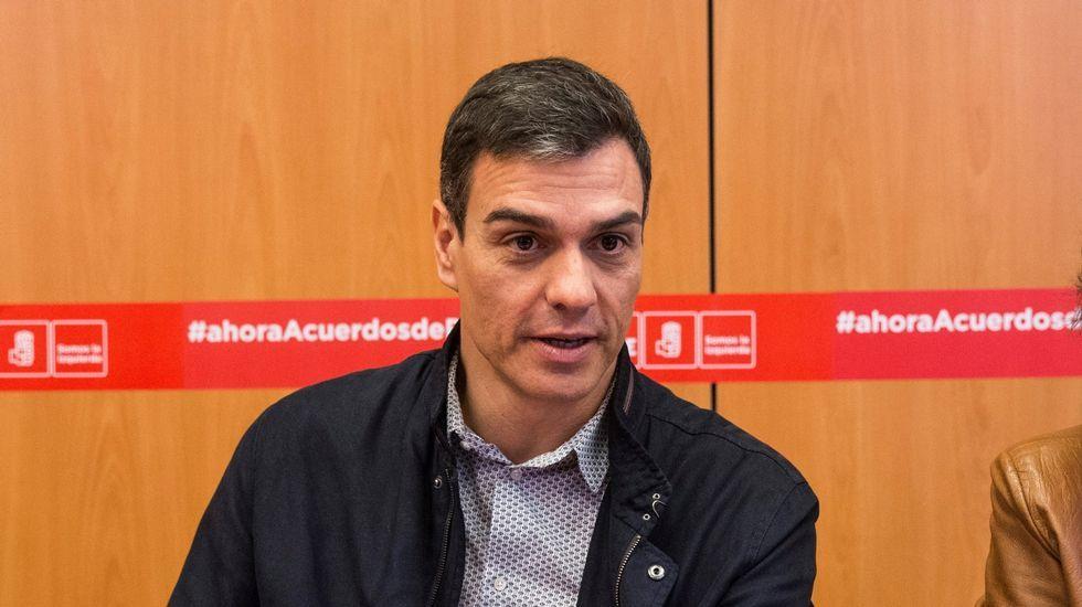 Movilizaciones en Pontevedra en defensa de las pensiones.Javier Fernández Lanero y Manuel Zapico convocan la manifestación del 1 de mayo