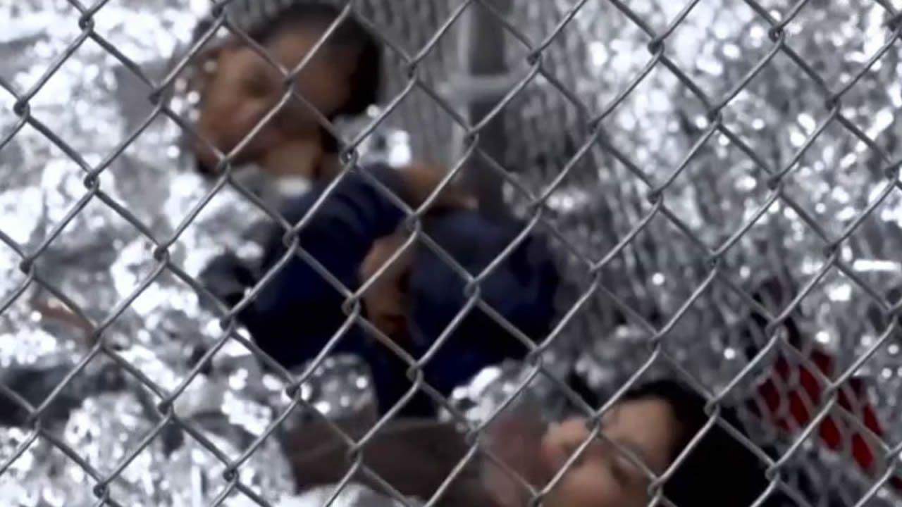 Gritos de dolor de los niños separados de sus padres en la frontera entre México y EEUU.