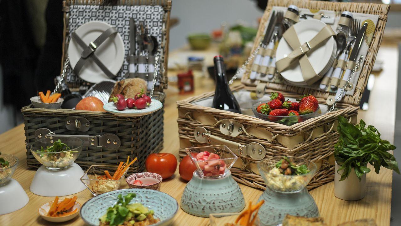 Las cestas de pícnic de El García and Co y el menú para tomar al aire libre del restaurante Greca