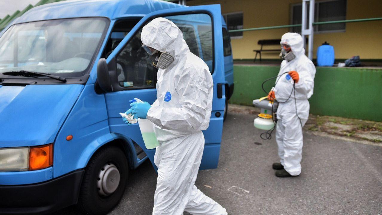 El centro ocupacional y de día Lamastelle, en Oleiros, se convirtió en el primer foco del COVID-19 en Galicia. El servicio que atiende a personas con discapacidad llevaba ya una semana cerrado después de que una mujer que acudía al mismo hubiese contraído el coronavirus. En este 16 de marzo murió uno de sus usuarios.