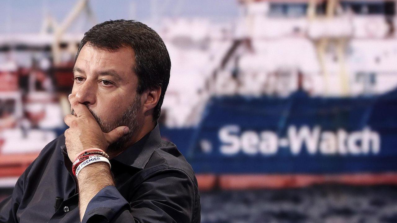 Espectacular demolición del puente Morandi en Génova. Salvini, durante su intervención el miércoles en el programa de televisión «Porta a porta»