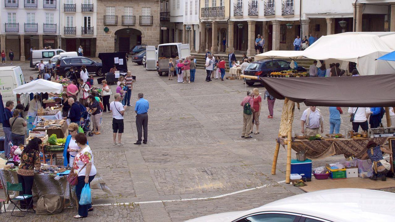 Imagen de archivo de un mercado centrado en productos de la huerta en Mondoñedo