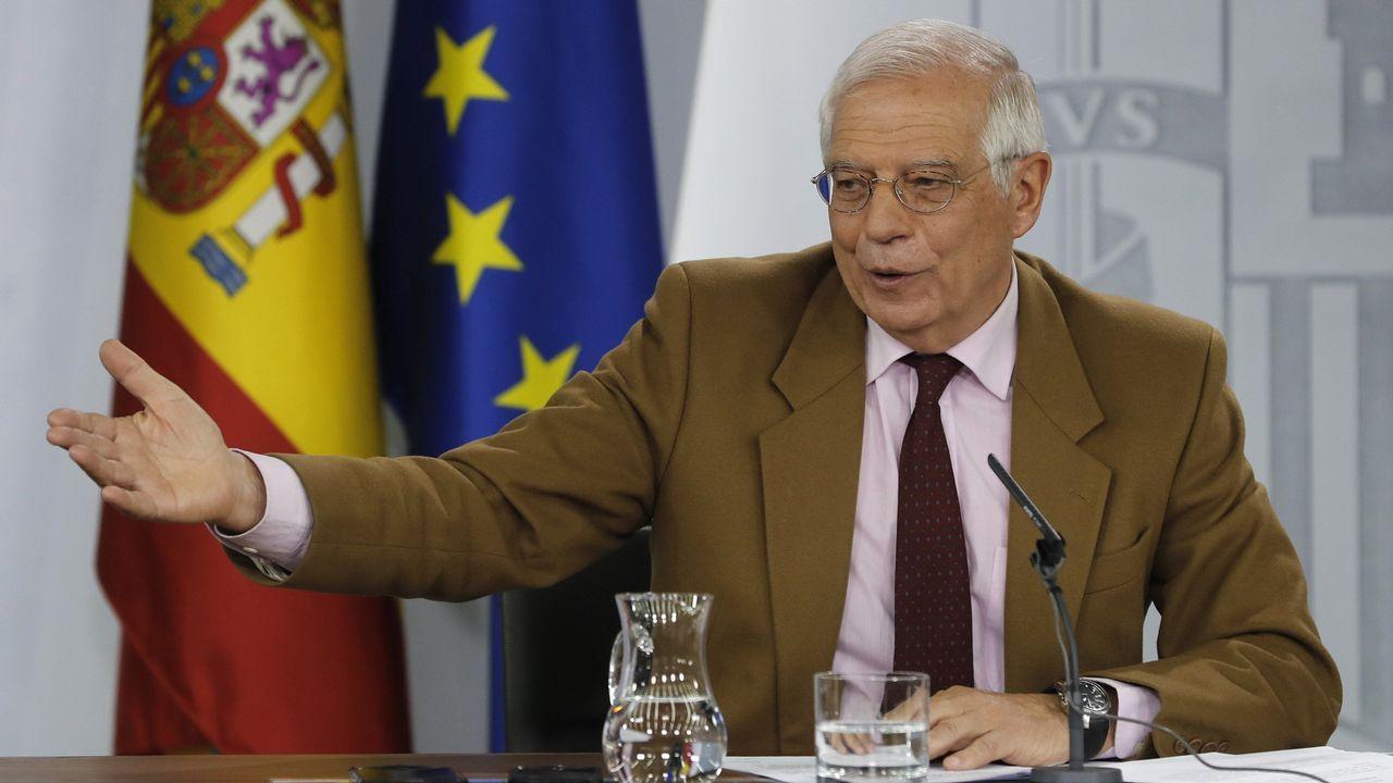 Nicolás Maduro canta «Que viva España».Borrell dijo que tiene que el plazo a Maduro tien que ser «corto», porque la situación es «insostenible».