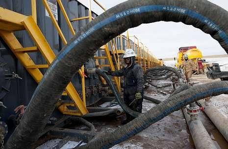 Ada Colau: «Sí se podía».En EE.?UU. -Dakota del Norte, en la imagen-, el «fracking» ha reducido la dependencia energética.