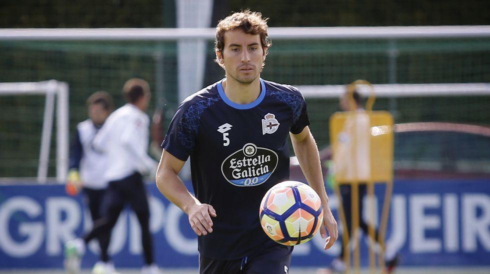 Pedro Mosquera | La llegada de Pepe Mel devolvió la titularidad al coruñés, que la había perdido con Garitano