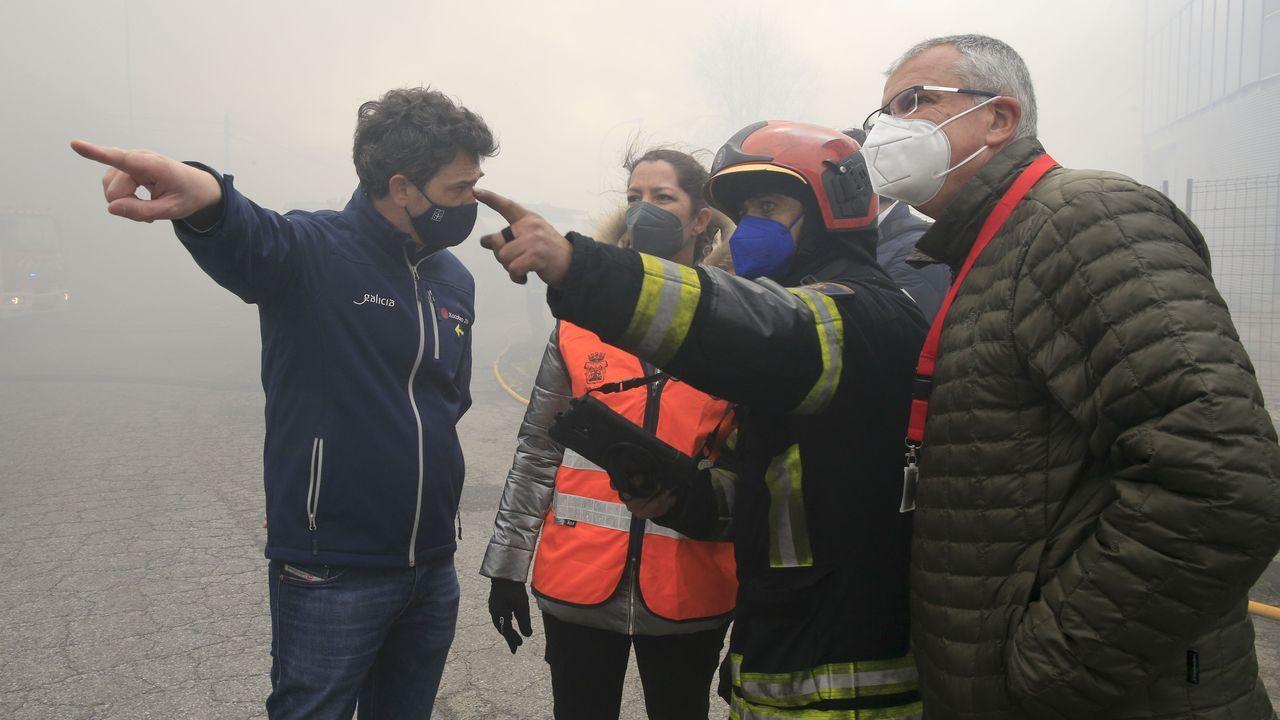 La alcaldesa, el delegado de la Xunta y el director de Emerxencias visitaron la zona