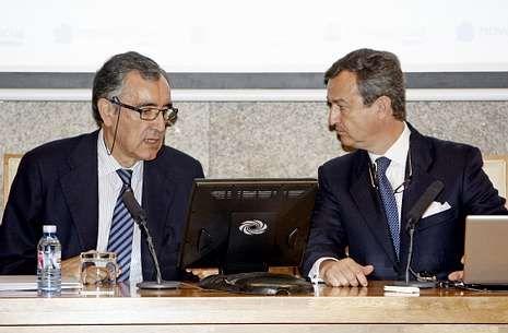 José María Castellano y César González-Bueno, durante una rueda de prensa.