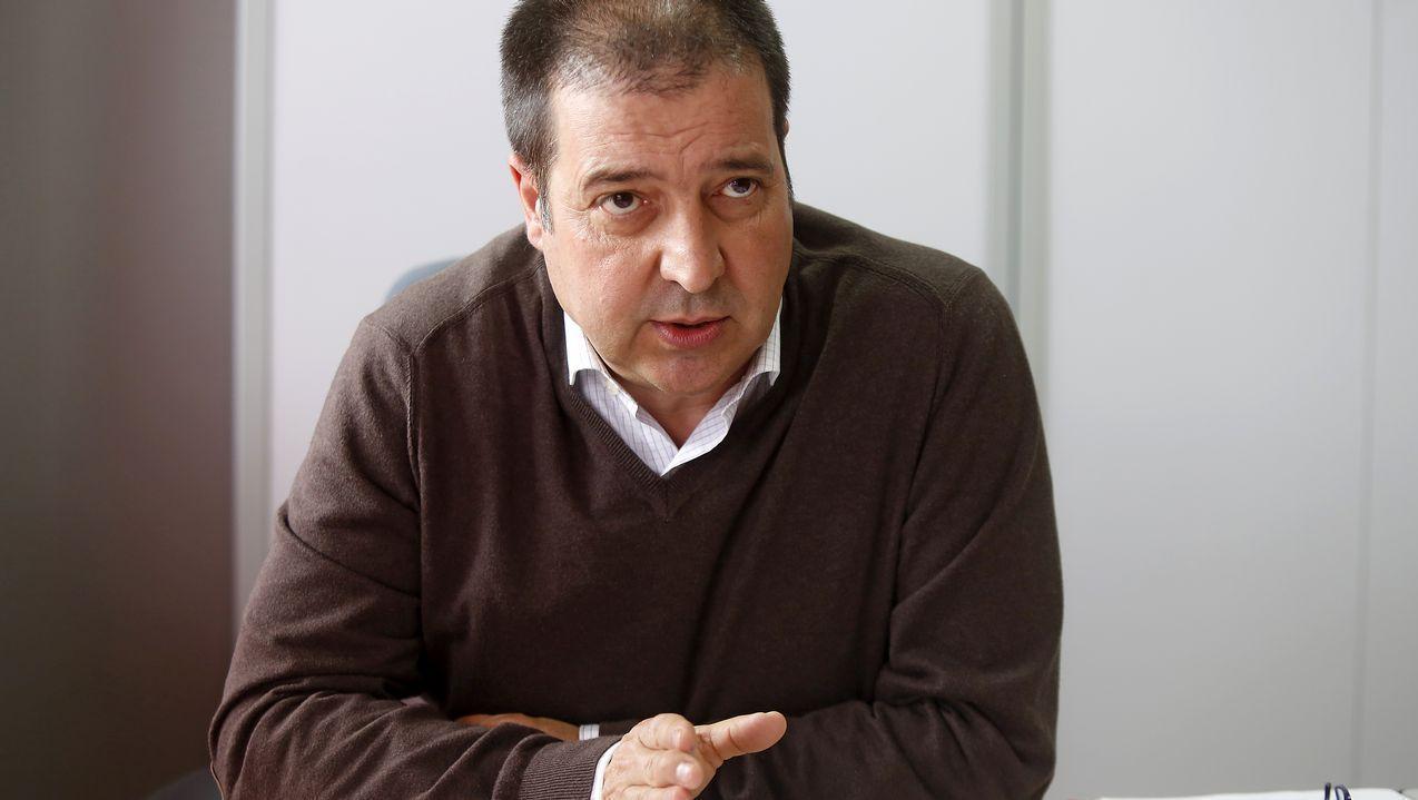 <span lang= gl >O Castro das Barreiras, explicado polo arqueólogo Tito Concheiro</span>.Beiras (en el 2014 como portavoz de AGE), Ana Pontón y Francisco Jorquera, tres de los últimos candidatos a la presidencia de la Xunta por el BNG