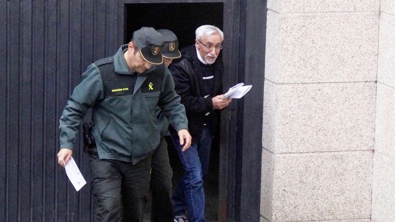 Suspendido el juicio contra Ángel Martínez, Lito, el rey de las orquestas.Ángel Martínez, Lito, a la salida de los juzgados en Pontevedra