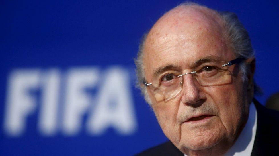 Blatter y Platini, sancionados 8 años por la FIFA.Platini