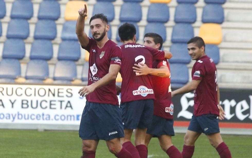 El Pontevedra disputará en el mes de enero tres partidos como local y cuatro lejos de Pasarón.