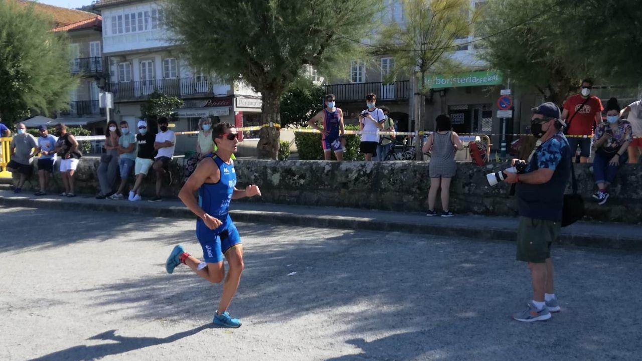 Ivan Raña durante la carrera a pie, que tenía un circuito de 5 kilómetros