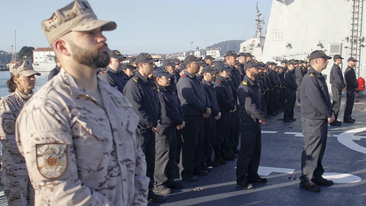 Las imágenes de la despedida a la fragata Méndez Núñez en el Arsenal de Ferrol