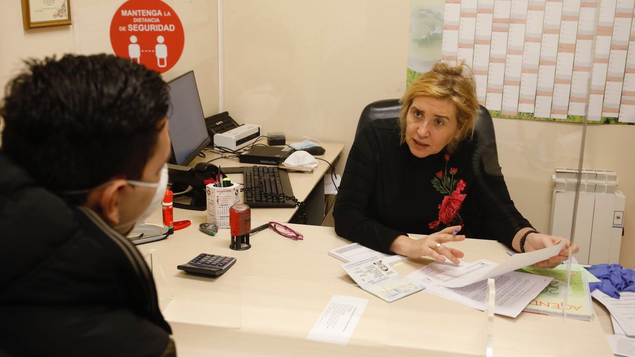 Cáritas avisa que el perfil de los demandantes de algún tipo de las ayudas que ofrecen en sus programas está cambiando
