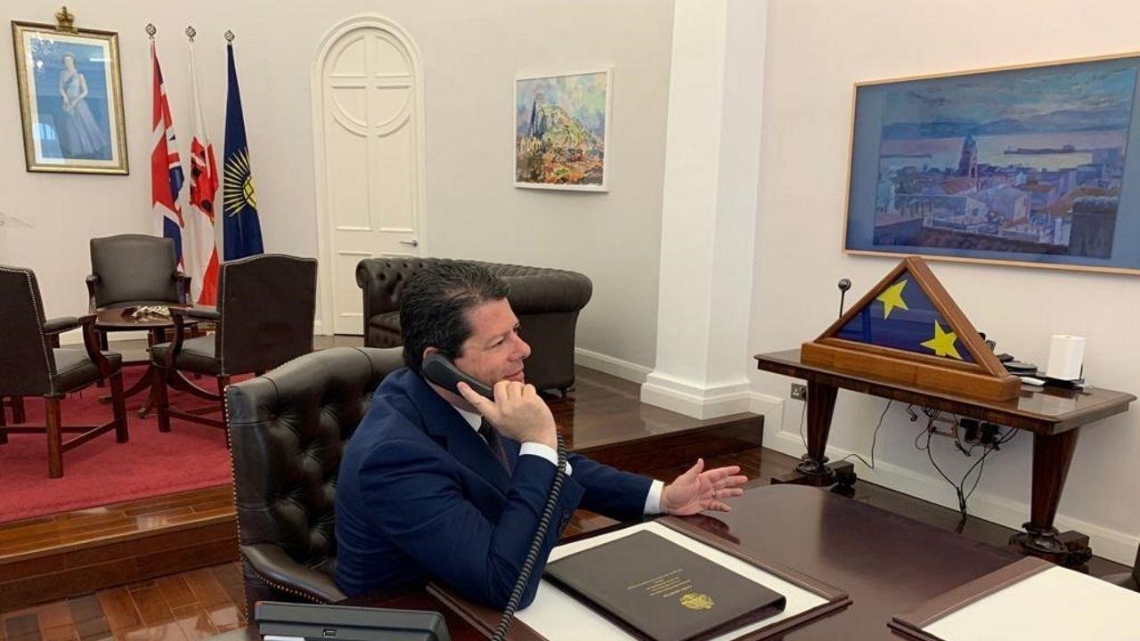 El ministro principal de Gibraltar, Fabian Picardo, en su despacho