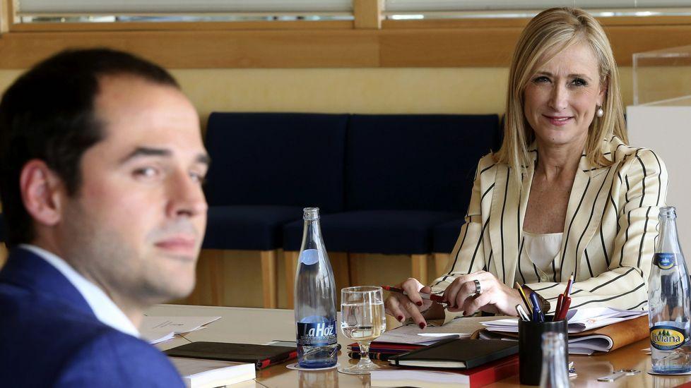 La investidura, en imágenes.Cristina Cifuentes, junto a Ignacio Aguado