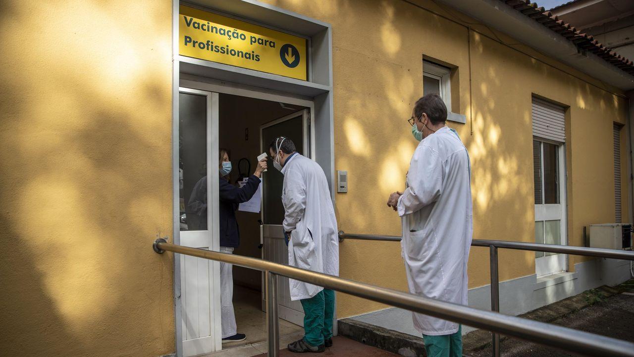 Campaña de vacunación de sanitarios en Portugal