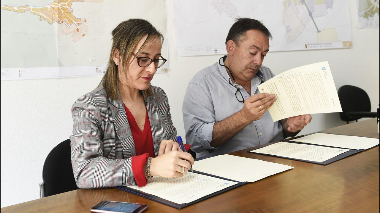 MAREAS VIVAS INUNDAN DE NUEVO EL PASEO DEL MALECON EN BETANZOS.