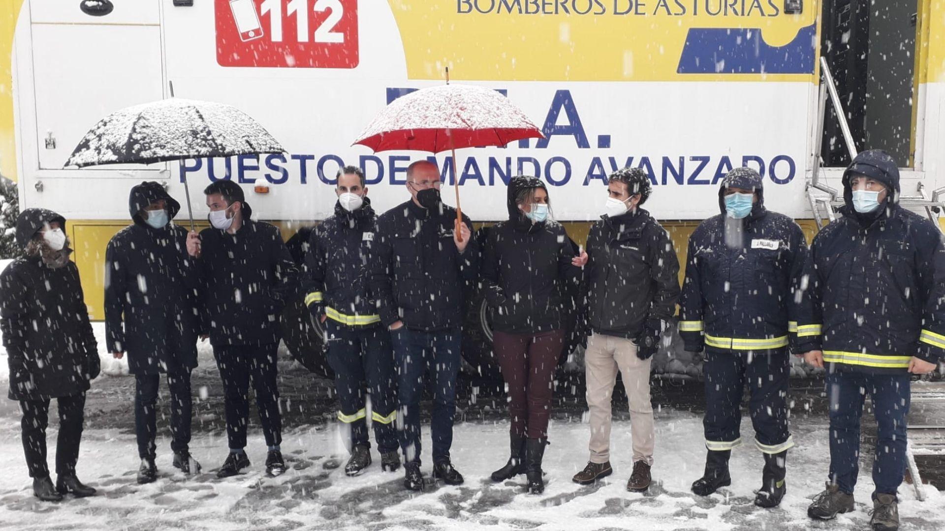 Puesto de mando avanzado de las labores de rescate del alud de San Isidro en Felechosa