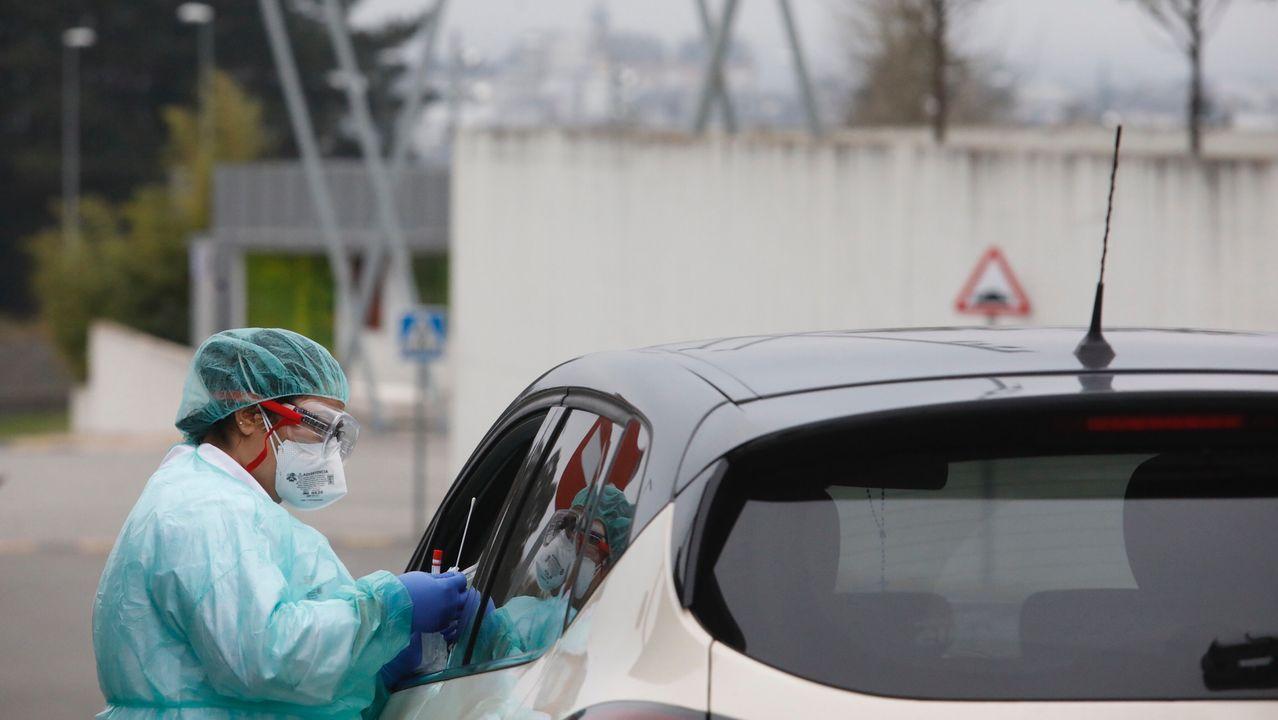 La pandemia en el mundo.En una de las entradas del HUYLA se realizan test rápidos a personas con cita previa y que tengan síntomas