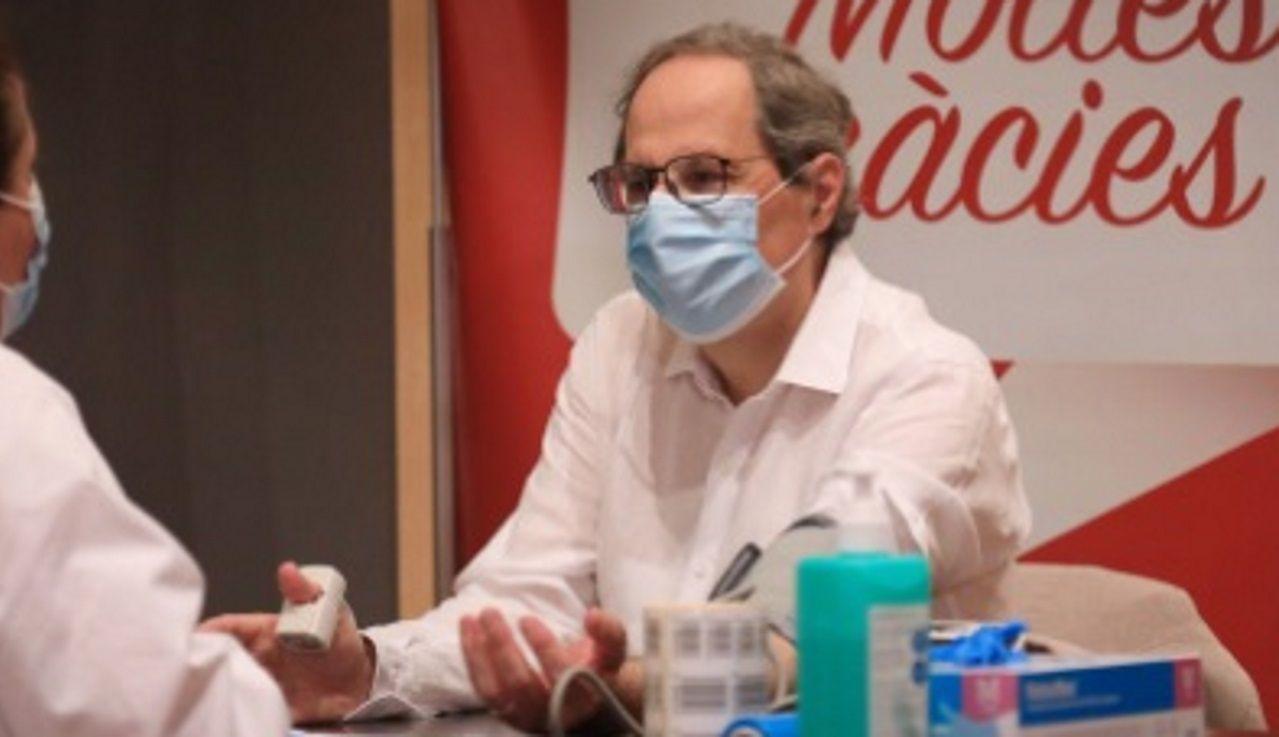 Quim Torra dona sangre por el Día Mundial del Donante