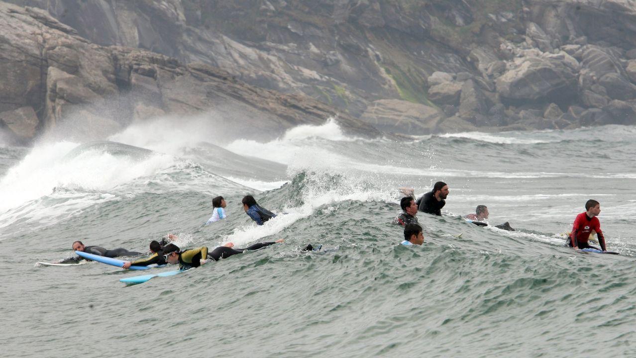 La playa de Esteiro en Xove es conocida por todos los aficionados al surf