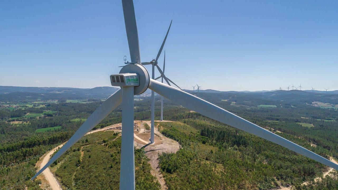 El Foro Voz sobre los hórreos en O Couto, en imágenes.Imagen de archivo de un parque eólico