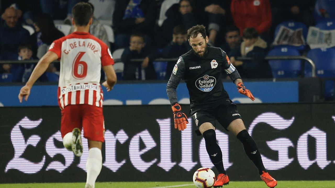 Gol Carlos Hernandez Real Oviedo Cadiz Carlos Tartiere.El Deportivo ha sumado un solo triunfo en Riazor durante los tres últimos meses