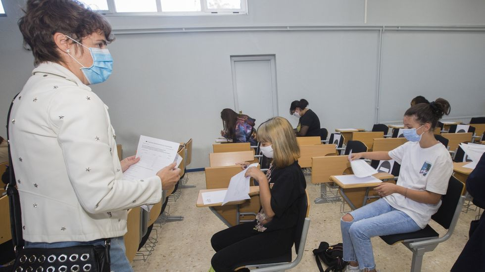 Exámenes de recuperación el pasado mes de septiembre en un instituto de Carballo