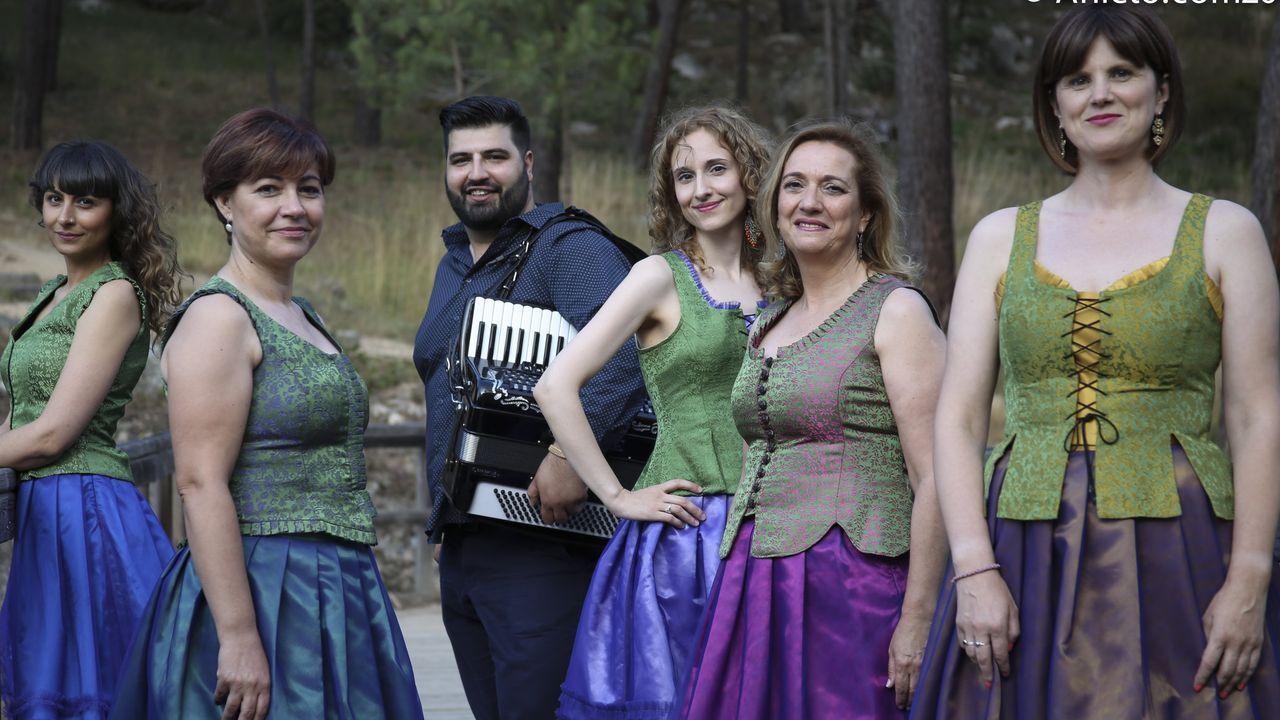 Conciertos Amosando, Anabel Santiago, Eva Tejedor.Ún de Grao y D'Urria presenten los sos nuevos discos na segunda edición d'Amosando