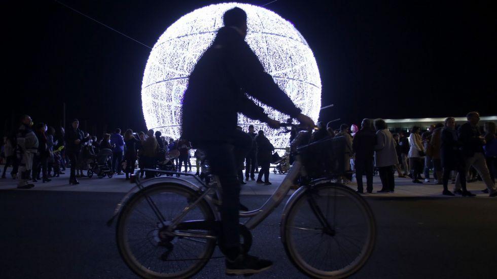 Noche de protestas y violencia en Estados Unidos por el asesinato deGeorge Floyd.Luces de Navidad en A Coruña: La Marina