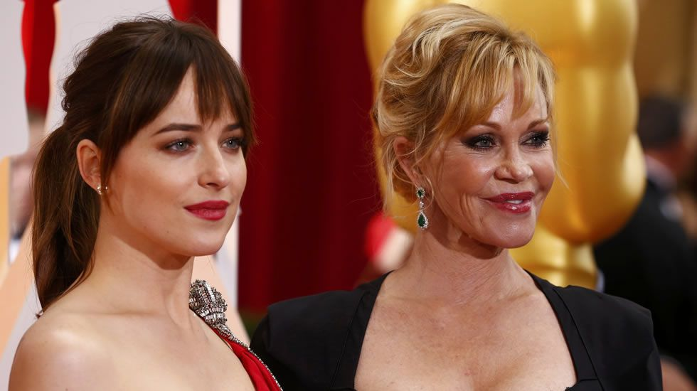 Dakota Johnson, de YSL, con Melanie Griffith