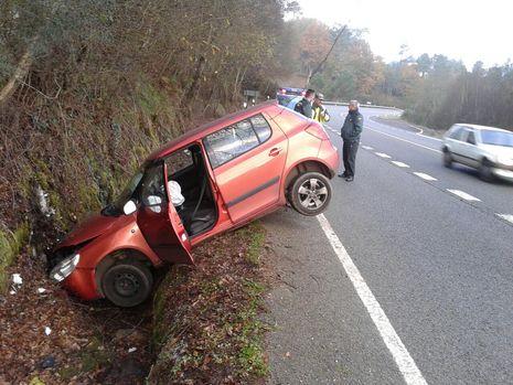 El accidente ocurrió a la salida de una curva, cerca del puente sobre el Búbal