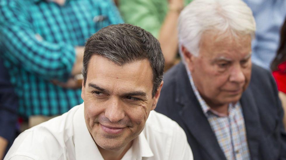 Los equipos de Adrián Barbón y José María Pérez presentan los avales en la FSA.Pedro Sánchez