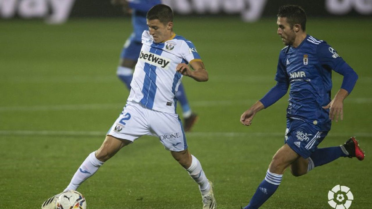 Lucas persigue a Palencia durante el Leganés-Real Oviedo